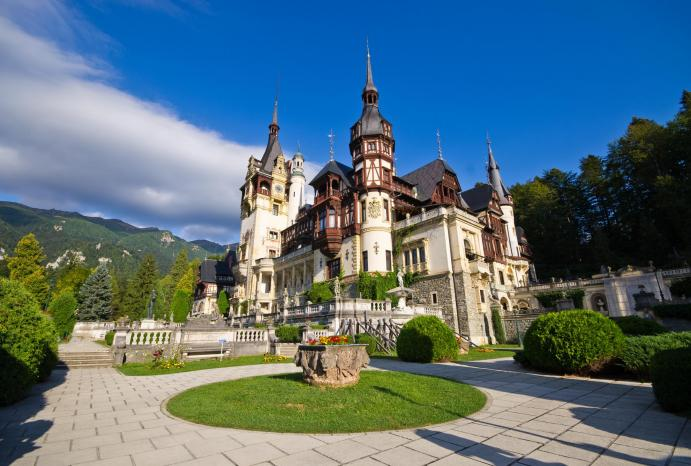 peles castle sinaia day trips from bucharest