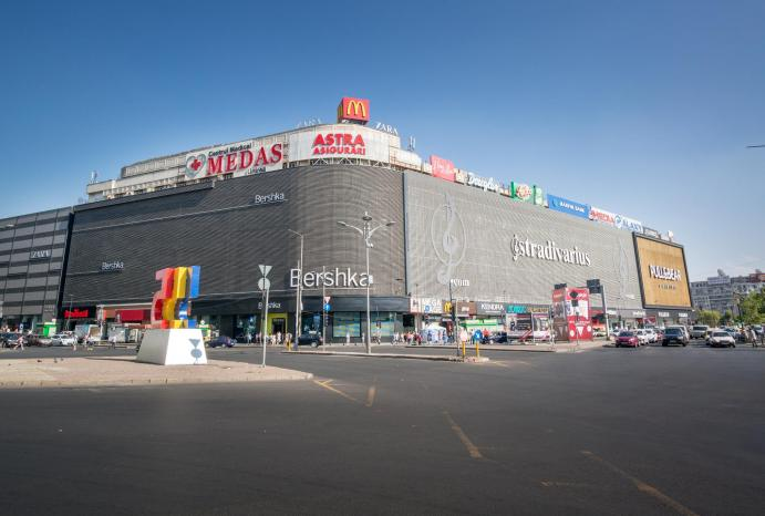 Shopping in Bucharest - Unirea Shopping Center